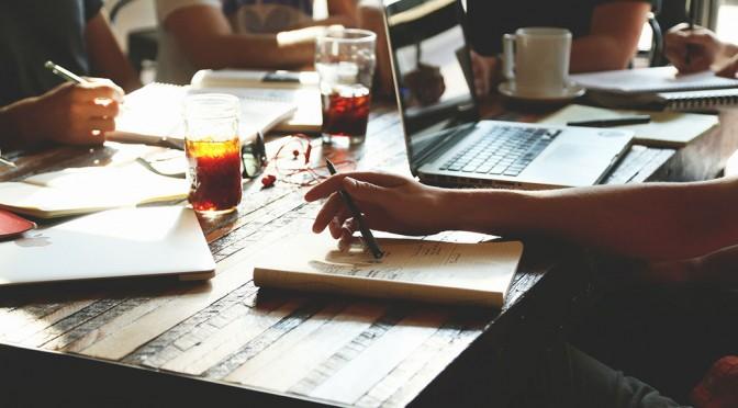 people brainstorming blog ideas